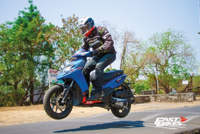 Scooter Shootout: Aprilia SR 125 vs TVS Ntorq