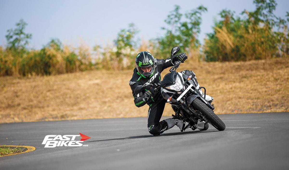 Bajaj Pulsar Stuntmania: How to get your knee down