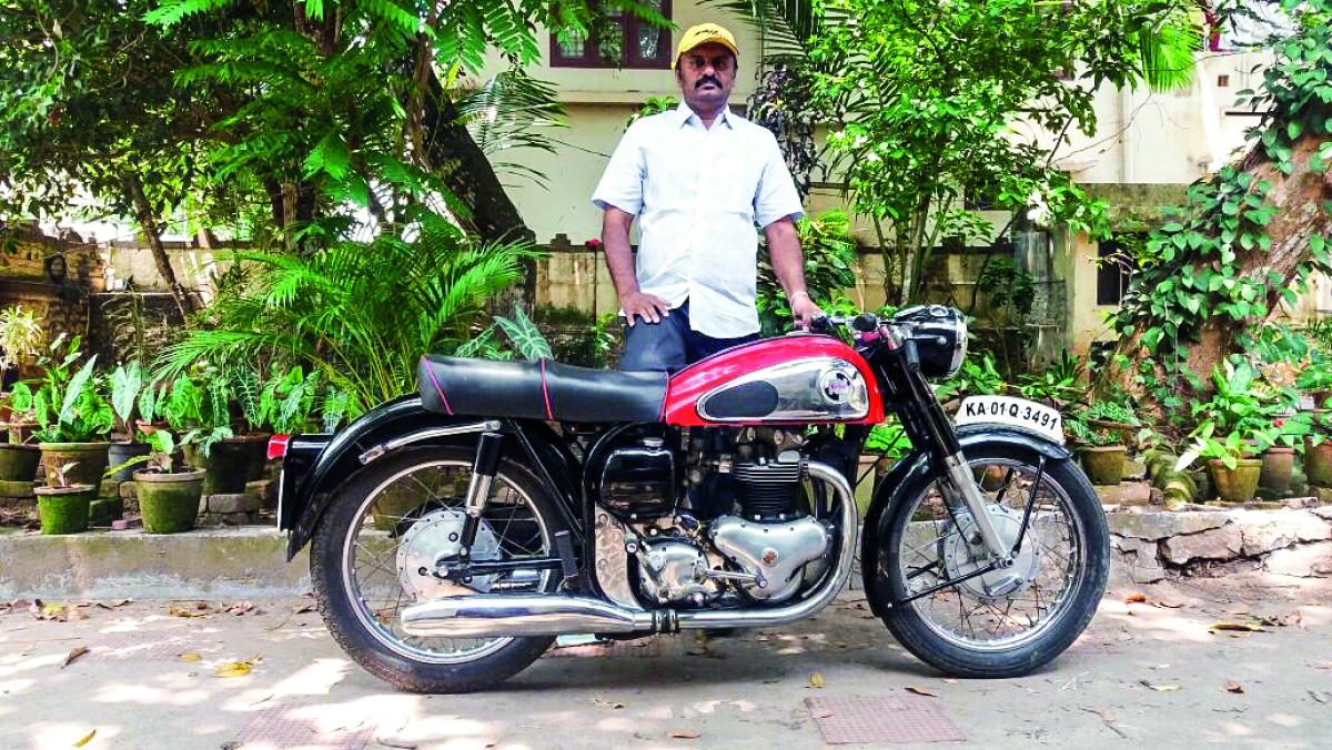 Bijoy's blog: The unusual shift from BSA's, Triumph's, Royal Enfield's to Norton's
