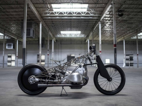 The Revival Birdcage: Other-worldly frame, spanking engine!