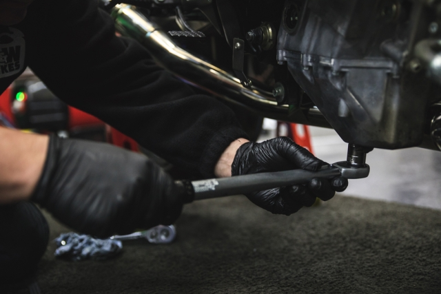 How to change a motorcycle's oil and air filter