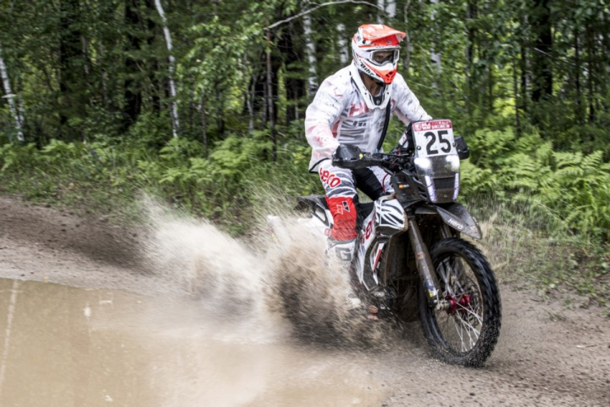 Silkway Rally Day 1: Paulo Gonclaves and Oriol Mena complete stage one in the top 10