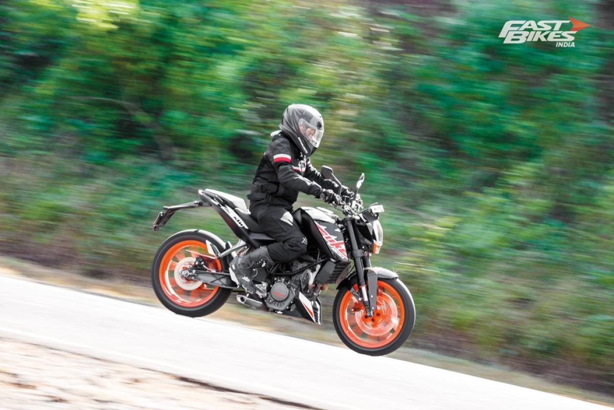 2020 KTM 200 Duke teased