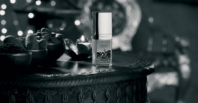 The company's top-selling Advanced Soundarya age-defying facial serum with 24K gold.