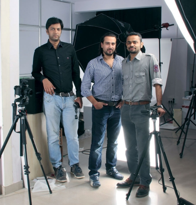 (l-R) Archit Arya, Ankit Asthana, and Parkal Suhas Kamath,co-founders, Eye and buy retail