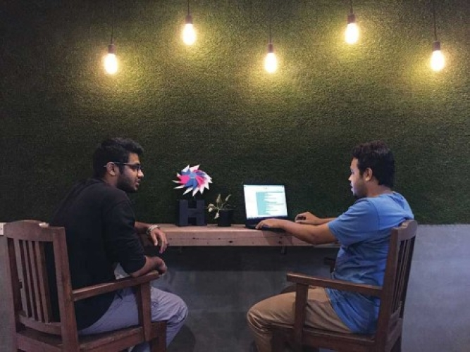 Brainstorming: Entrepreneurs testing a new concept at SparkNext in Mumbai
