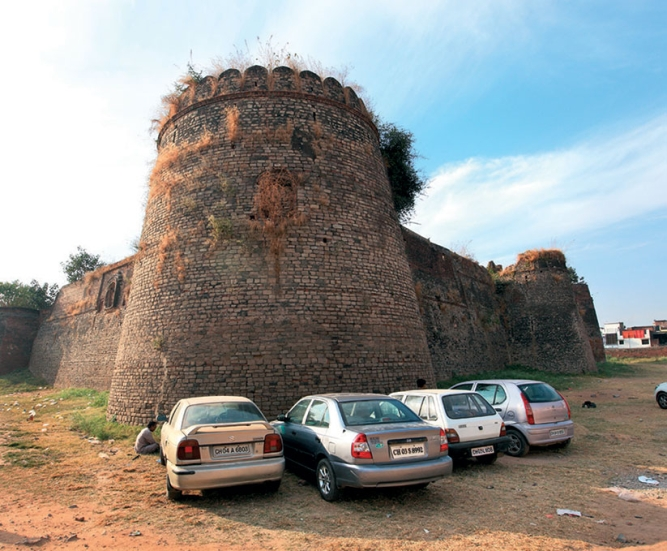 Rs 100 crore<br />