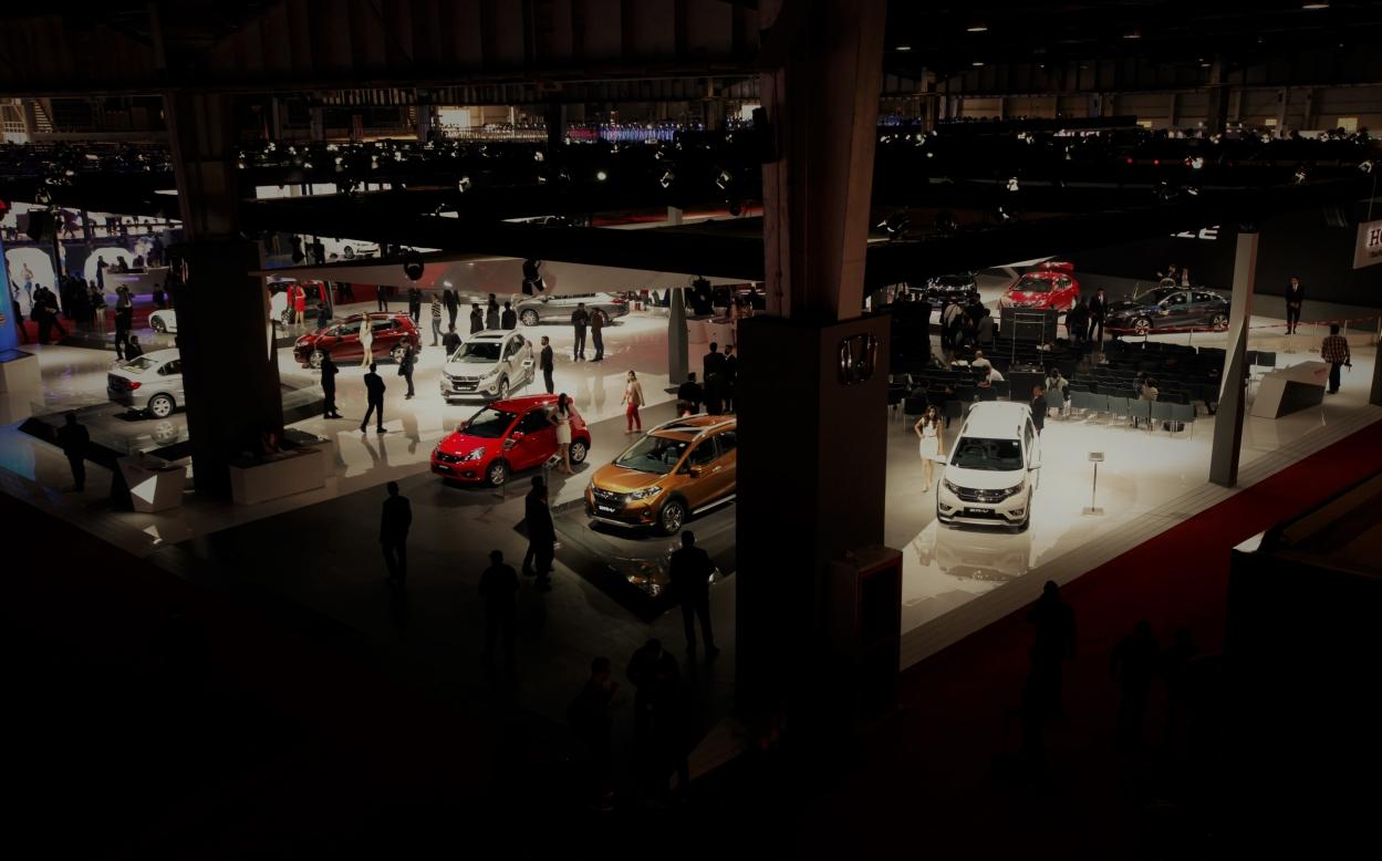Macro pains hit auto stocks