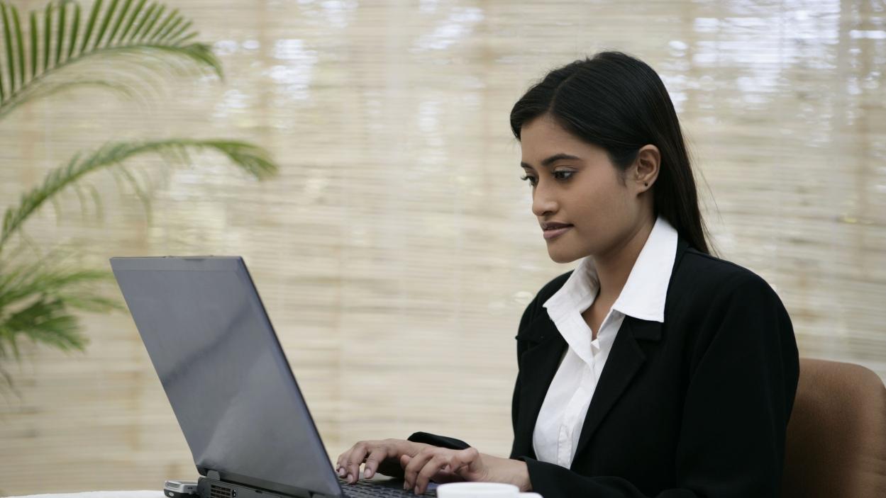 Gender gap in Internet usage persists
