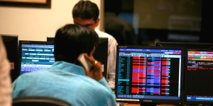 Markets continue to be virus-hit