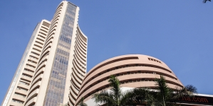 Market watch: FPIs sell equity while markets soar