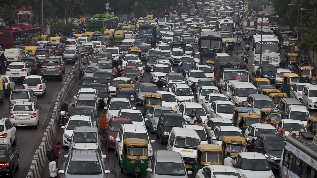 Passenger vehicle sales fall 5.6% in September: SIAM