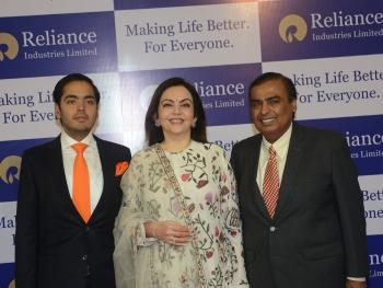 RIL crosses $100 billion in market cap