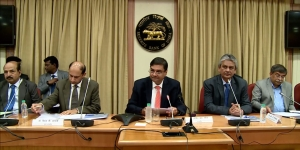 Market experts predict sharp fall if RBI governor resigns