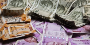 Government moves to stabilise rupee