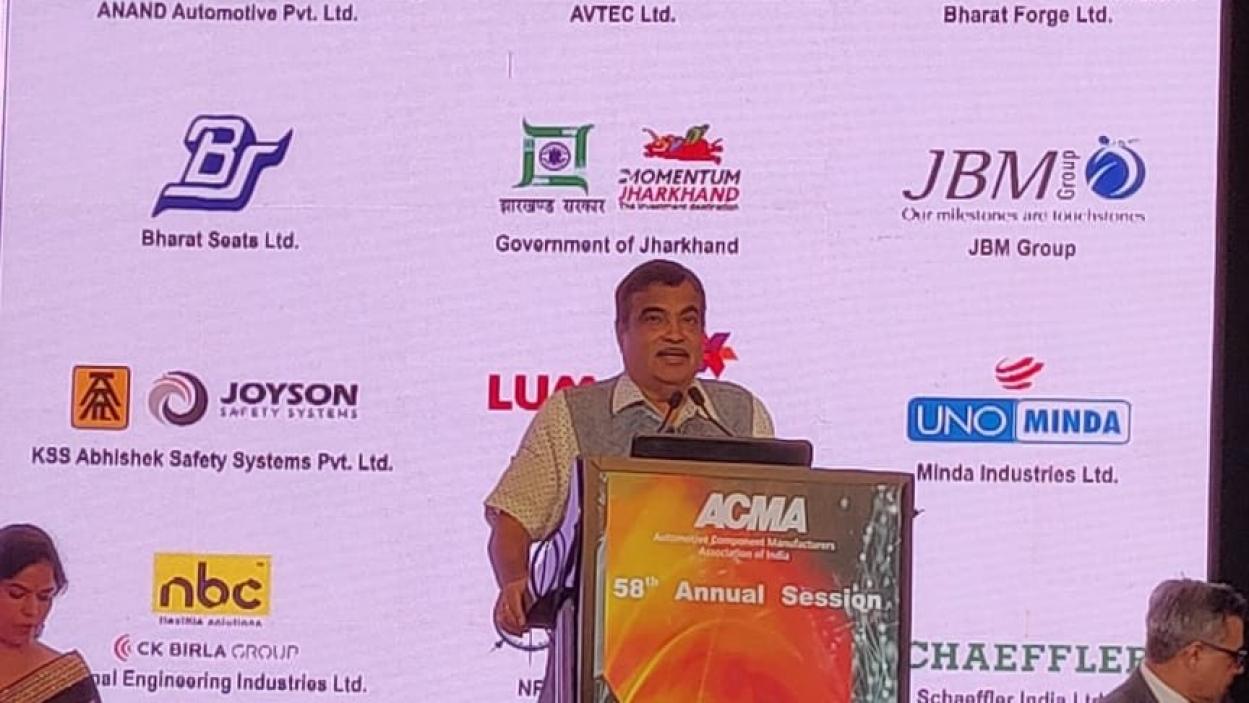 Methanol and other alternative fuels an urgency: Nitin Gadkari