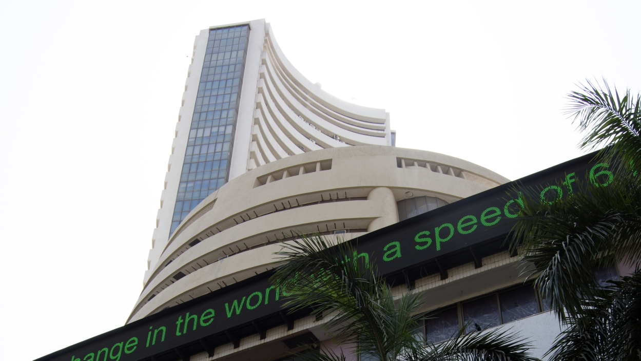 Stock exchanges bar Karvy from trading