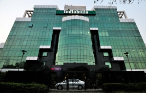 Bears maul Indiabulls on D-Street