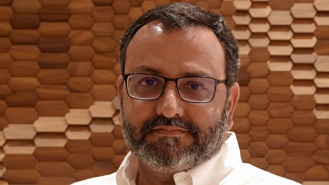 Mistry walks the talk by bidding 'Tata' to chairmanship