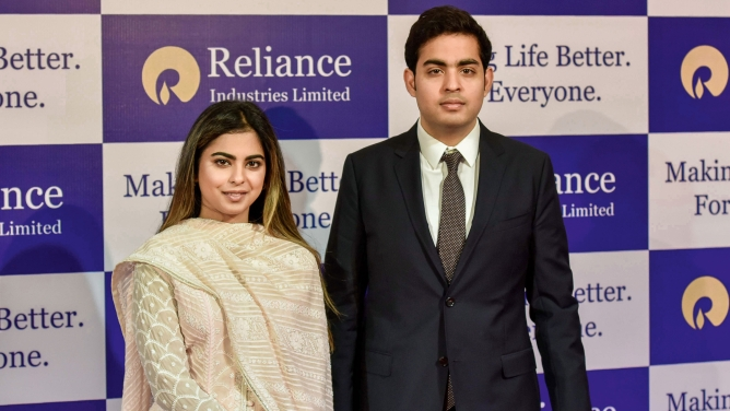 Isha and Akash Ambani during the Reliance Industries 41st Annual General Meeting at Birla Matoshree Hall inMumbai.