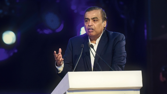 Reliance Industries chairman Mukesh Ambani speaking at the inaugural session of the UP Investors' Summit – 2018.