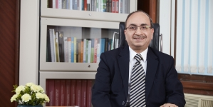 Corporate cash flows not hunky-dory: Dinesh Khara