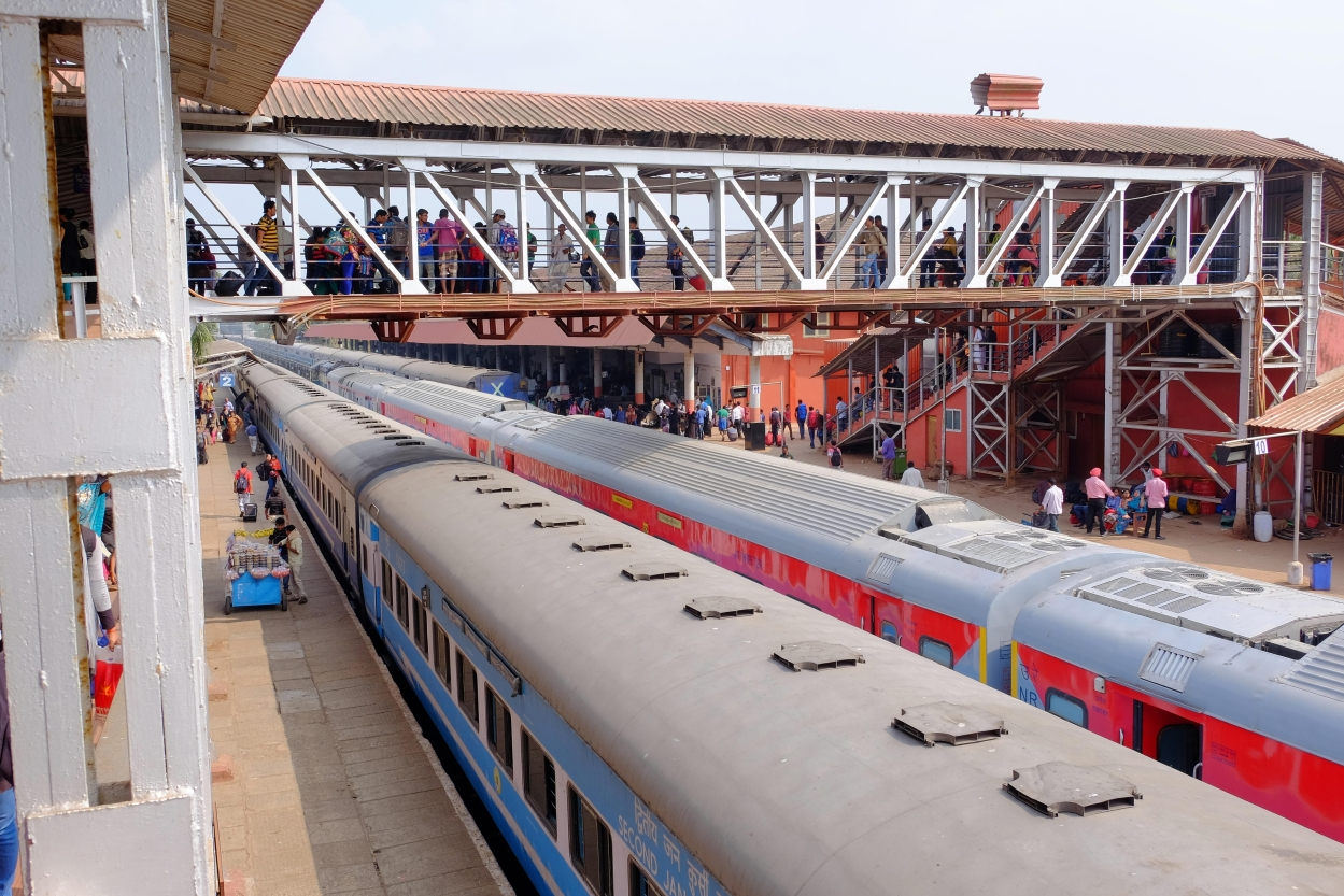 Why user fee is a pivot in railway station privatisation