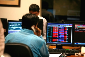Sensex frenzy due to info gaps, lack of 'institutional eye': Experts