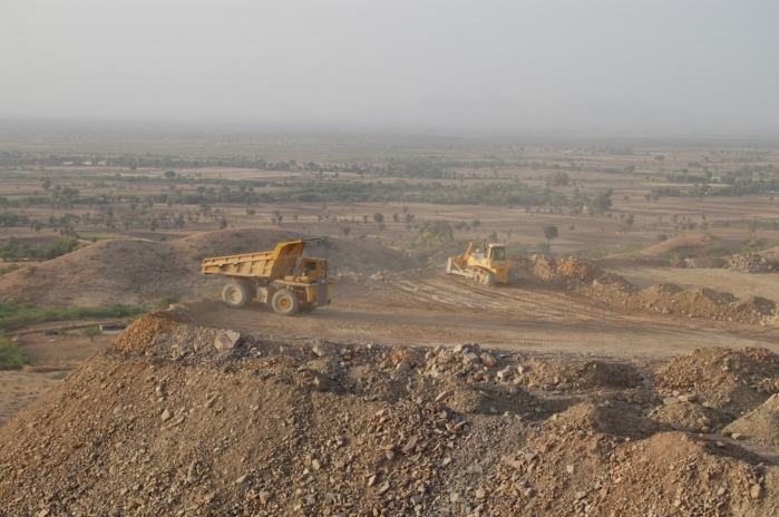 Ultratech Cement Vehicles : Ultratech back in the race for binani cement