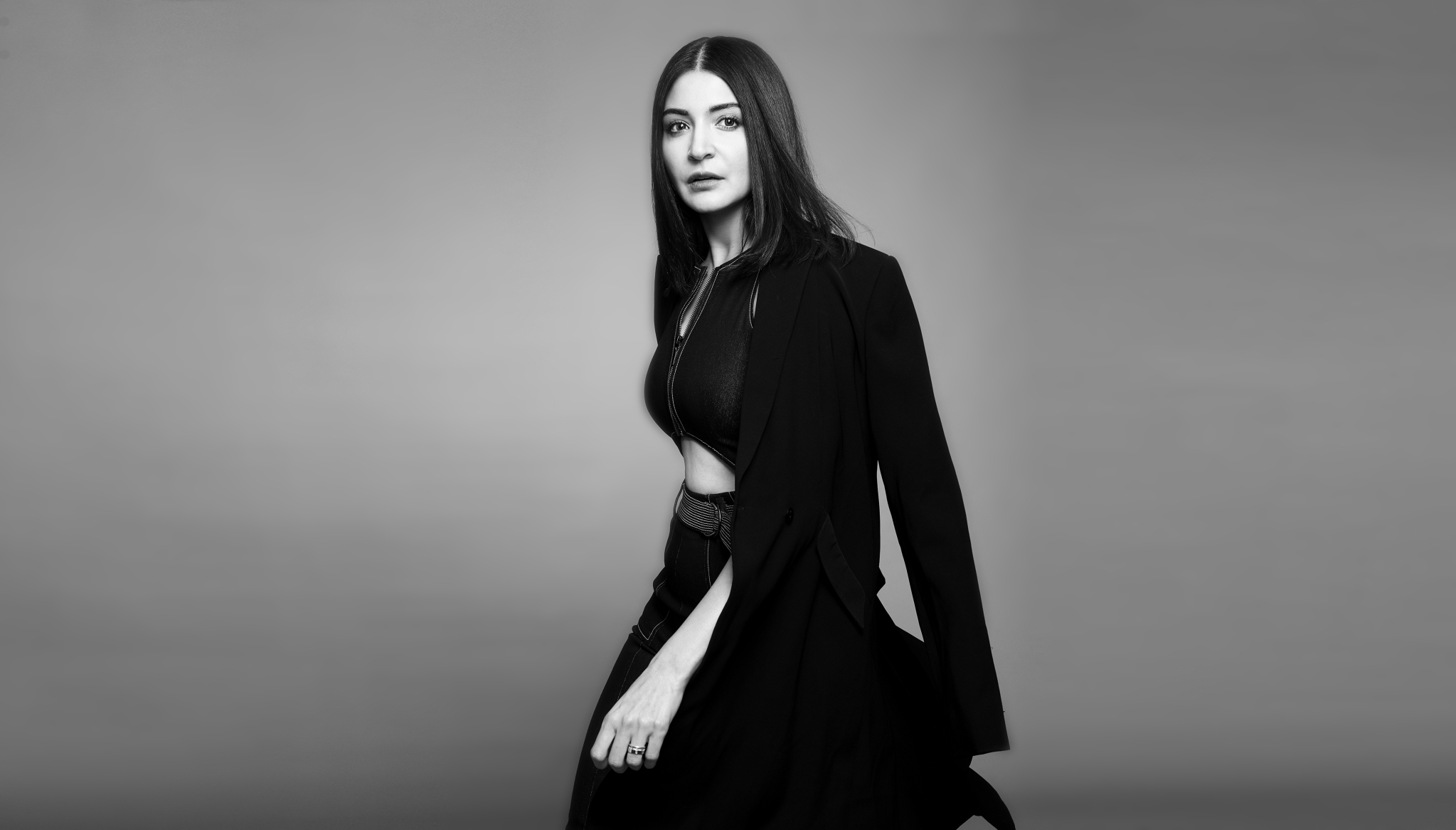 Anushka Sharma 001 | Fashion, Glamour & Beautiful Legs
