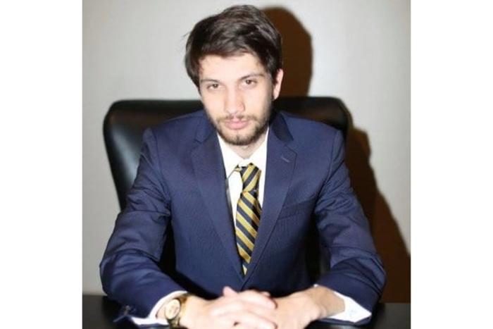 Photo of Entrepreneur Arya Bina grows his business faster via remote work