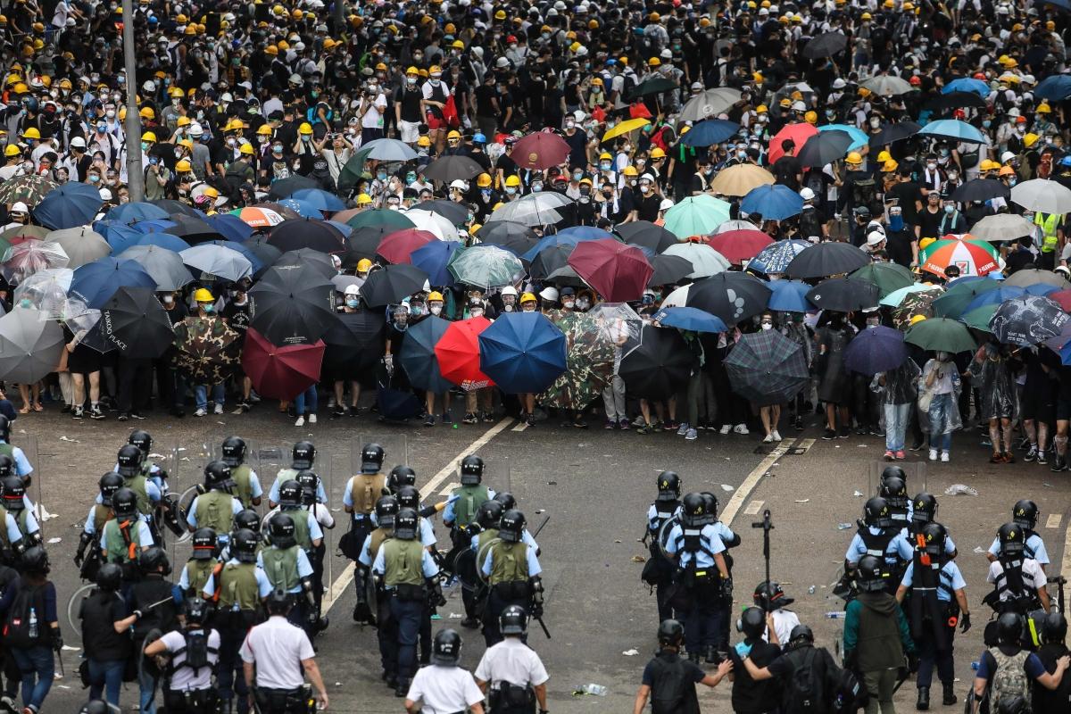 To disrupt morning commute Hong Kong protesters hit subway