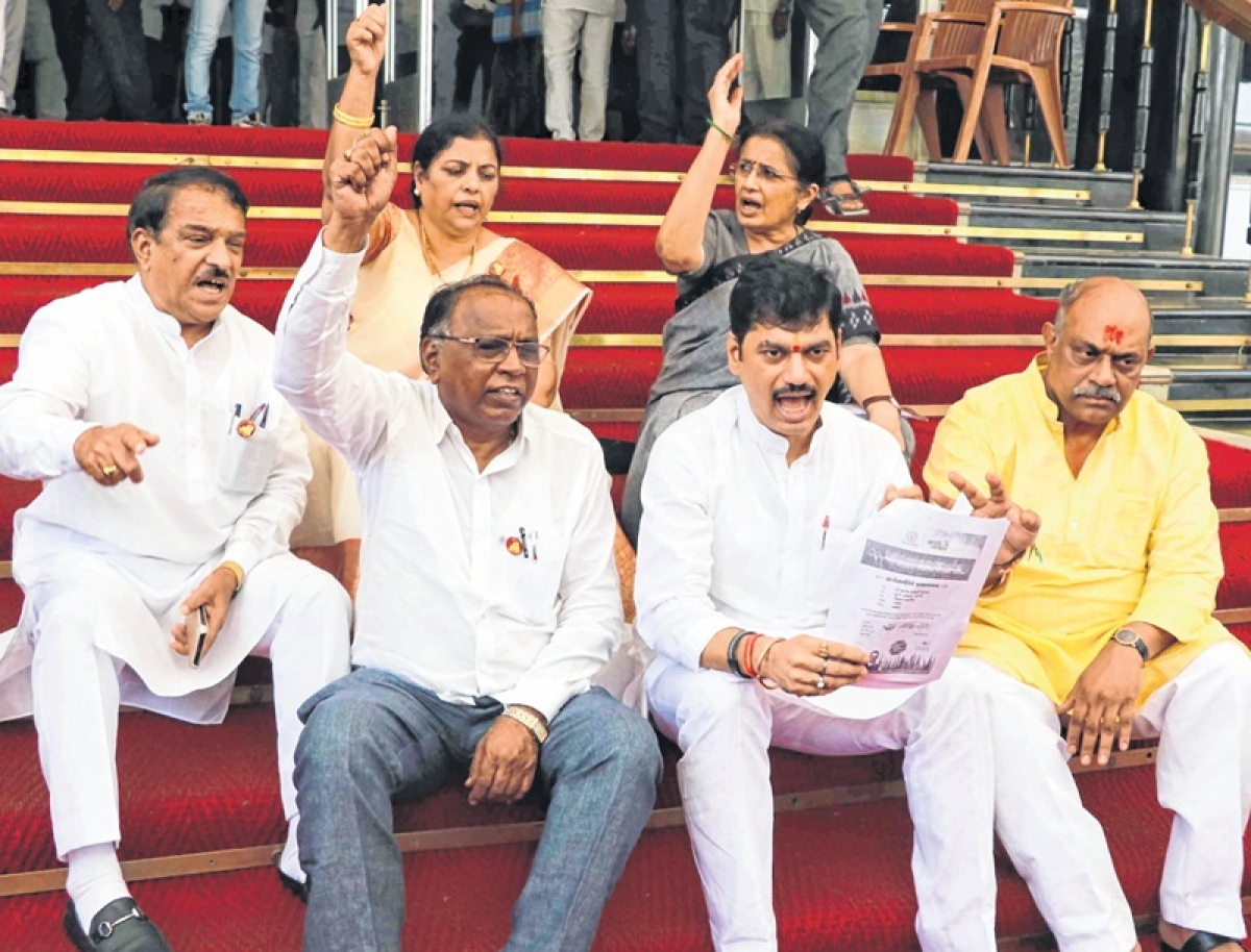 Polluted water in Mantralaya making staff ill, says Dhananjay Munde