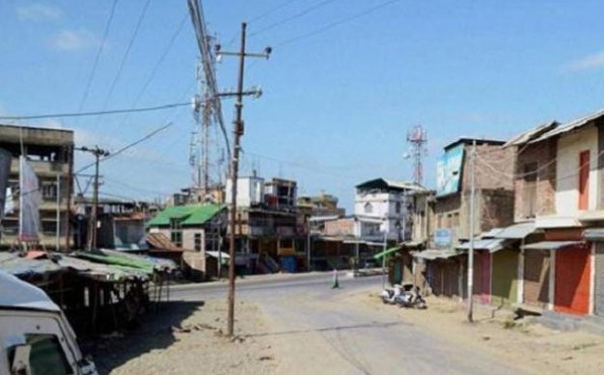 Shutdown affects life in Basirhat