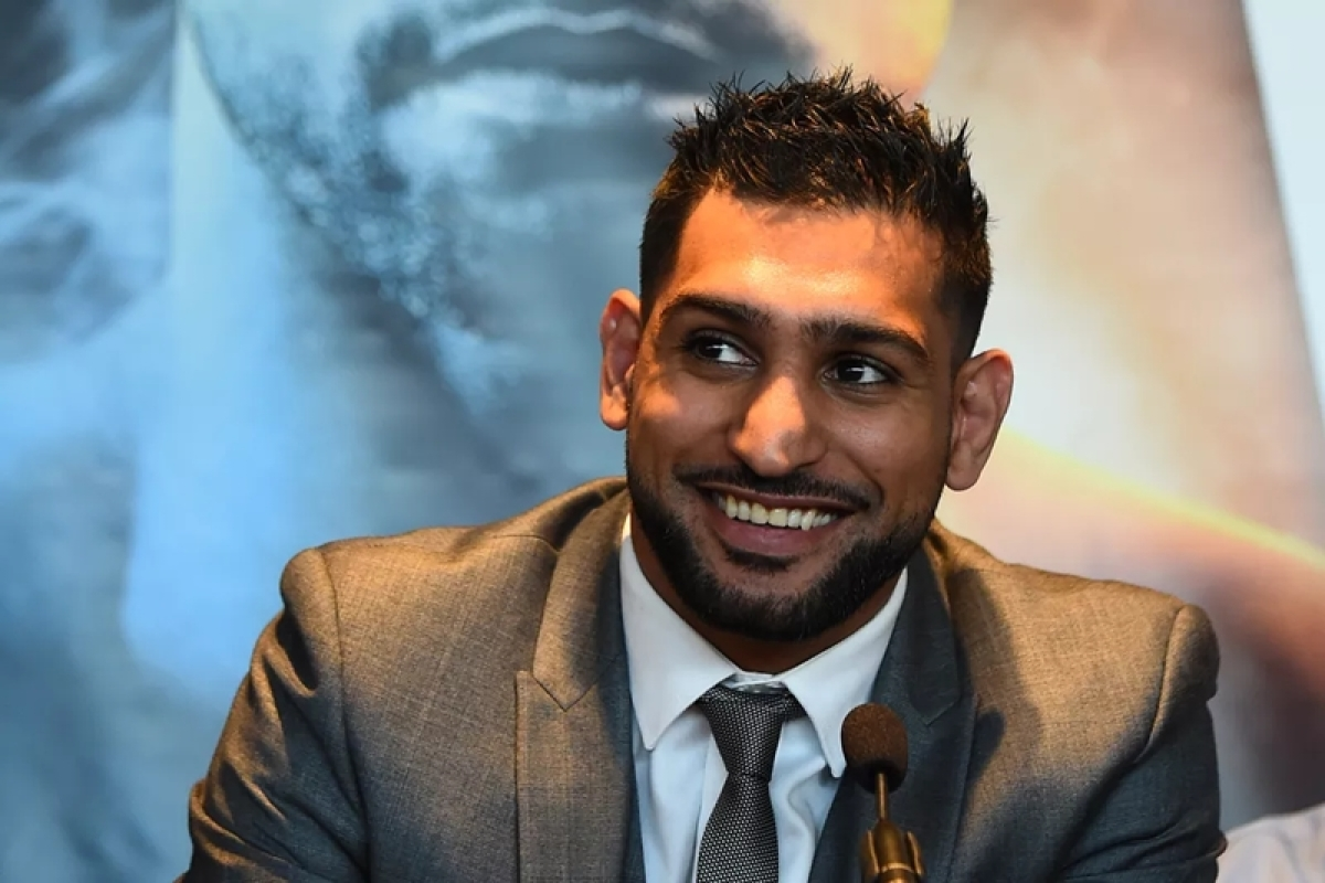 Boxer Amir Khan offers to help 'unfit' Pakistan cricketers
