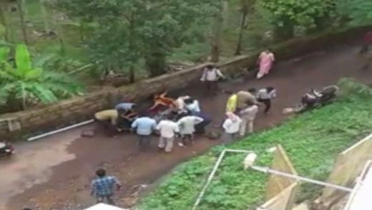 Mangaluru: Man stabs girl, slits his own throat over 'love affair'