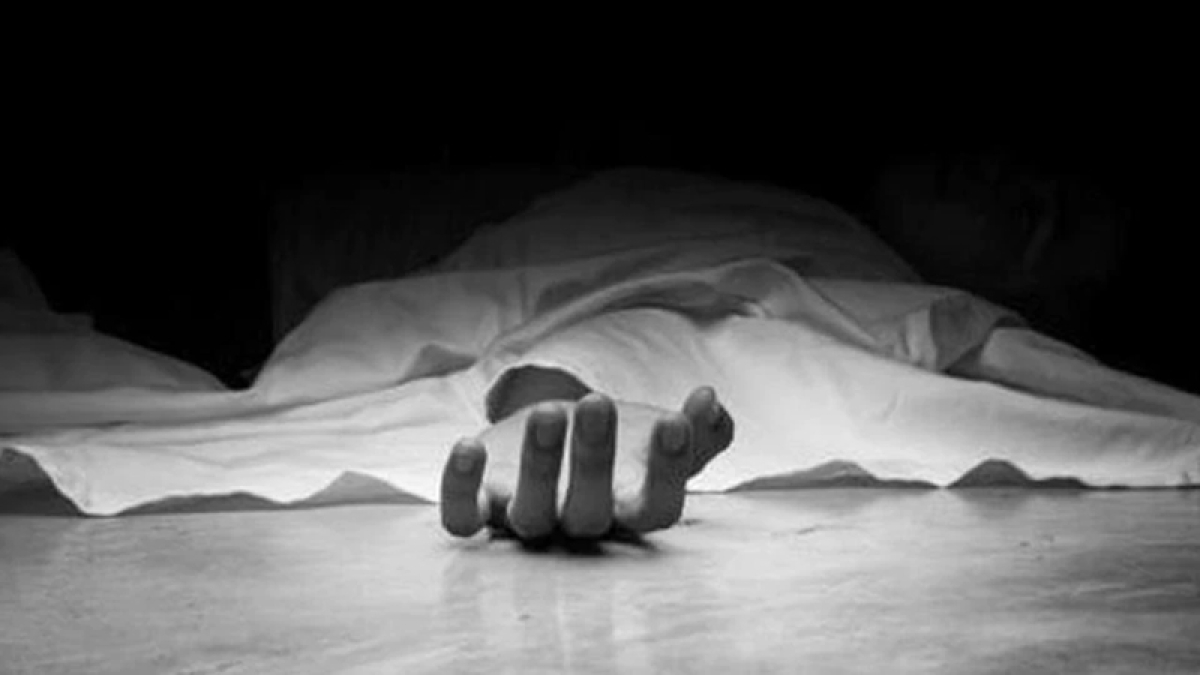 Ujjain: Body found hanging from tree