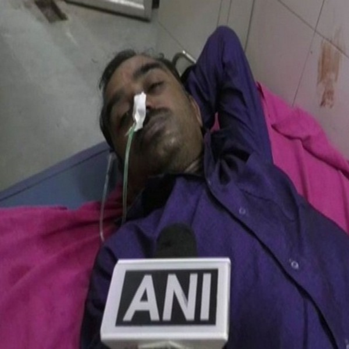 Farmer attempted suicide before Maharashtra State Energy minister MM Yerawar