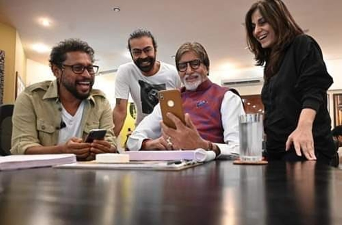 Amitabh Bachchan starts shooting for 'Gulabo Sitabo' in Lucknow