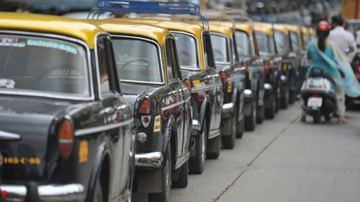 Mumbai: Autorickshaw and kaali peeli taxi fares likely to go up by Rs 2 once lockdown is lifted