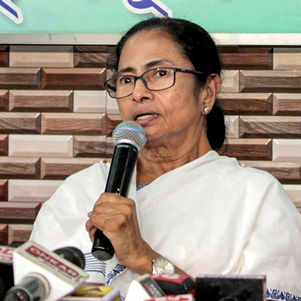 """Mamata Banerjee rubbishes MHA advisory about """"poor"""" law and order in state, opposition parties second it"""