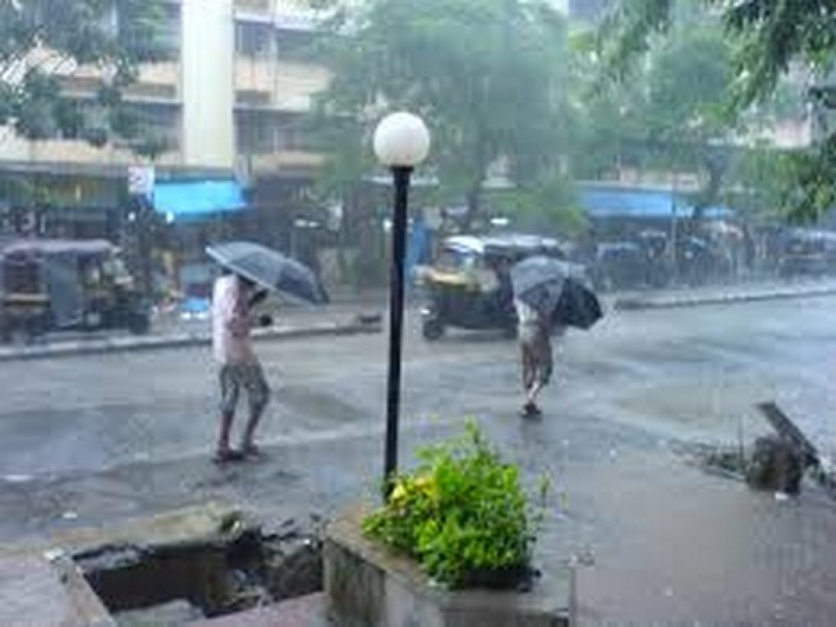 Nashik receives rain for third day
