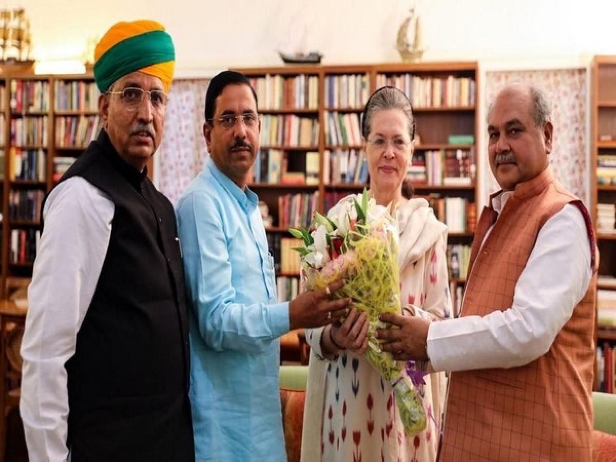 Prahlad Joshi meets Sonia Gandhi ahead of Parliament session