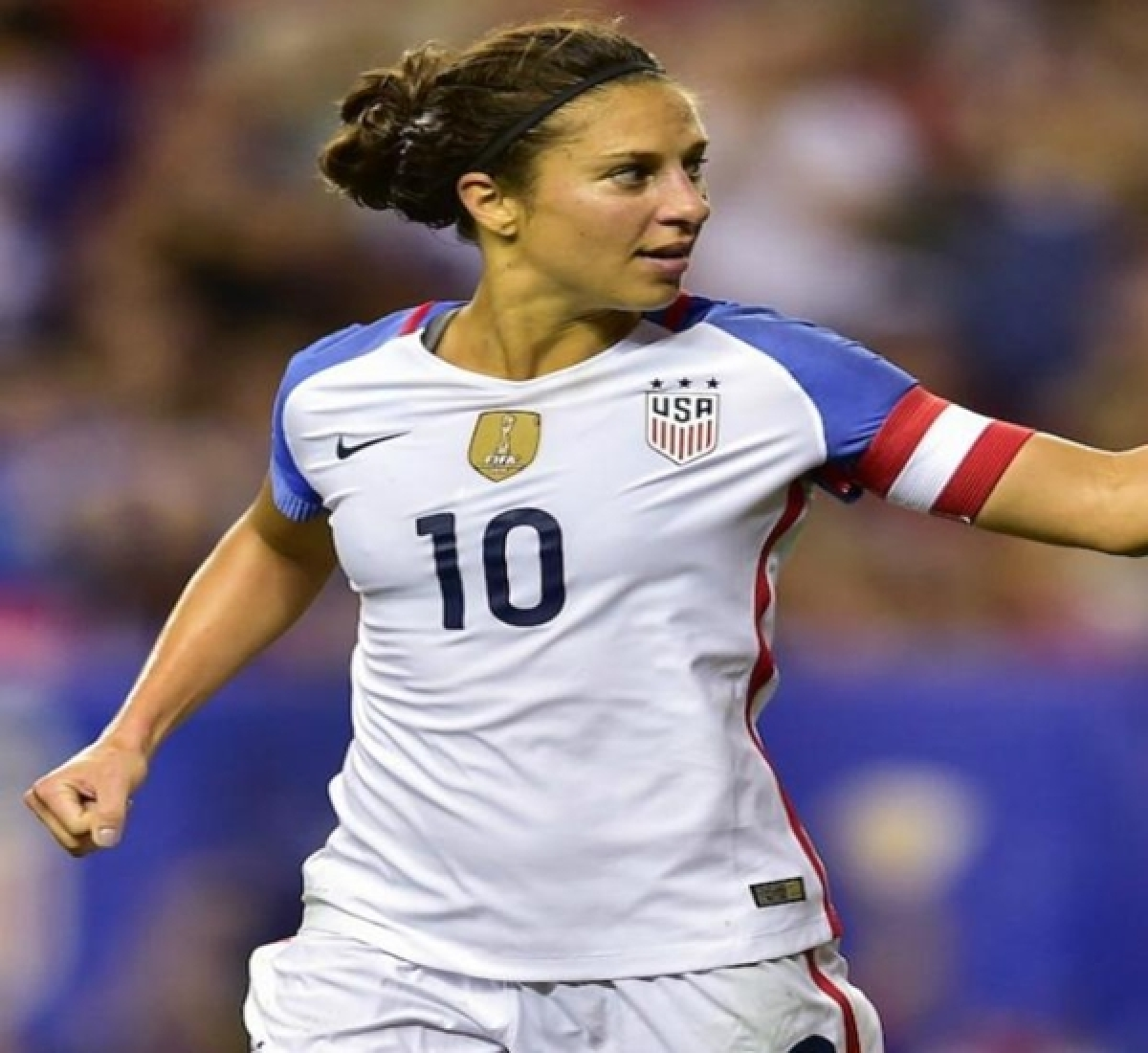 Carli Lloyd clears path for holders USA