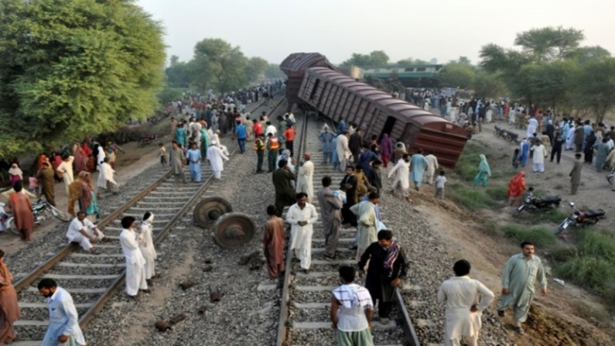Pakistan: 3 killed in train collision, several others injured
