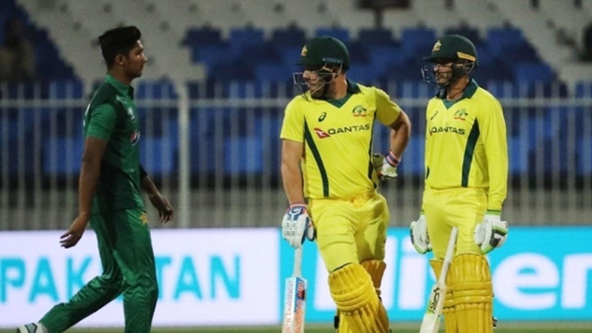 Pakistan opt to bowl against Australia