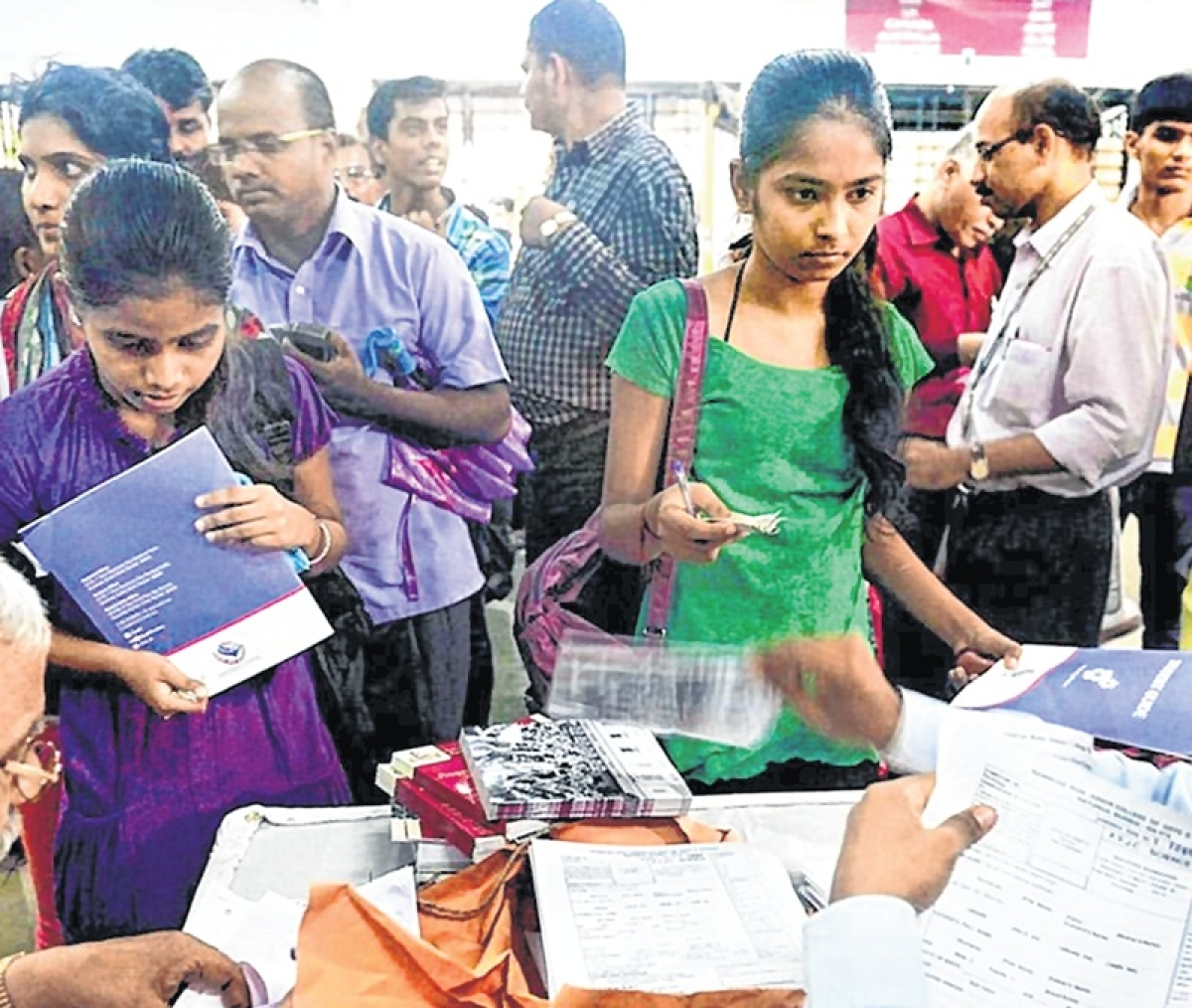 8,765 students secure admissions for bifocal courses in FYJC