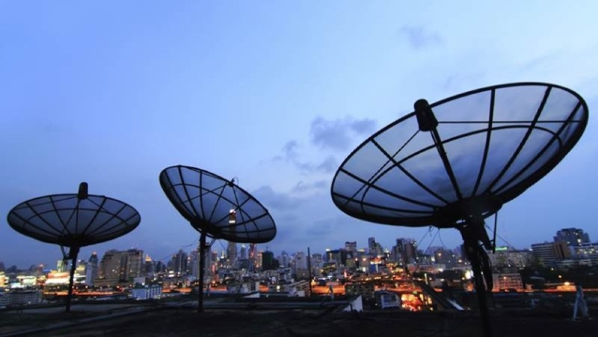 Digital Communications Commission clears imposing penalty on Airtel, Vodafone Idea; seeks TRAI view on fine amount