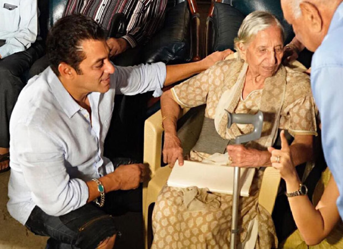 Salman Khan hosts special screening of 'Bharat' for families that went through the 1947 partition