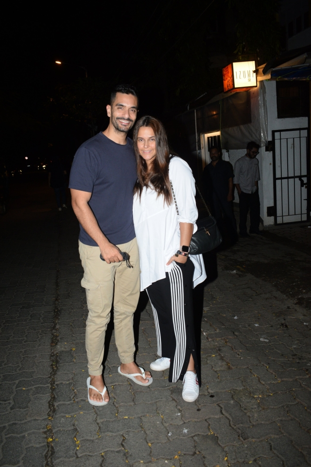 Neha Dhupia went on dinner date with hubby Angad Bedi in the city.